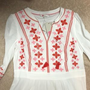 Boden Dresses - White embroidered Boden dress with lining.